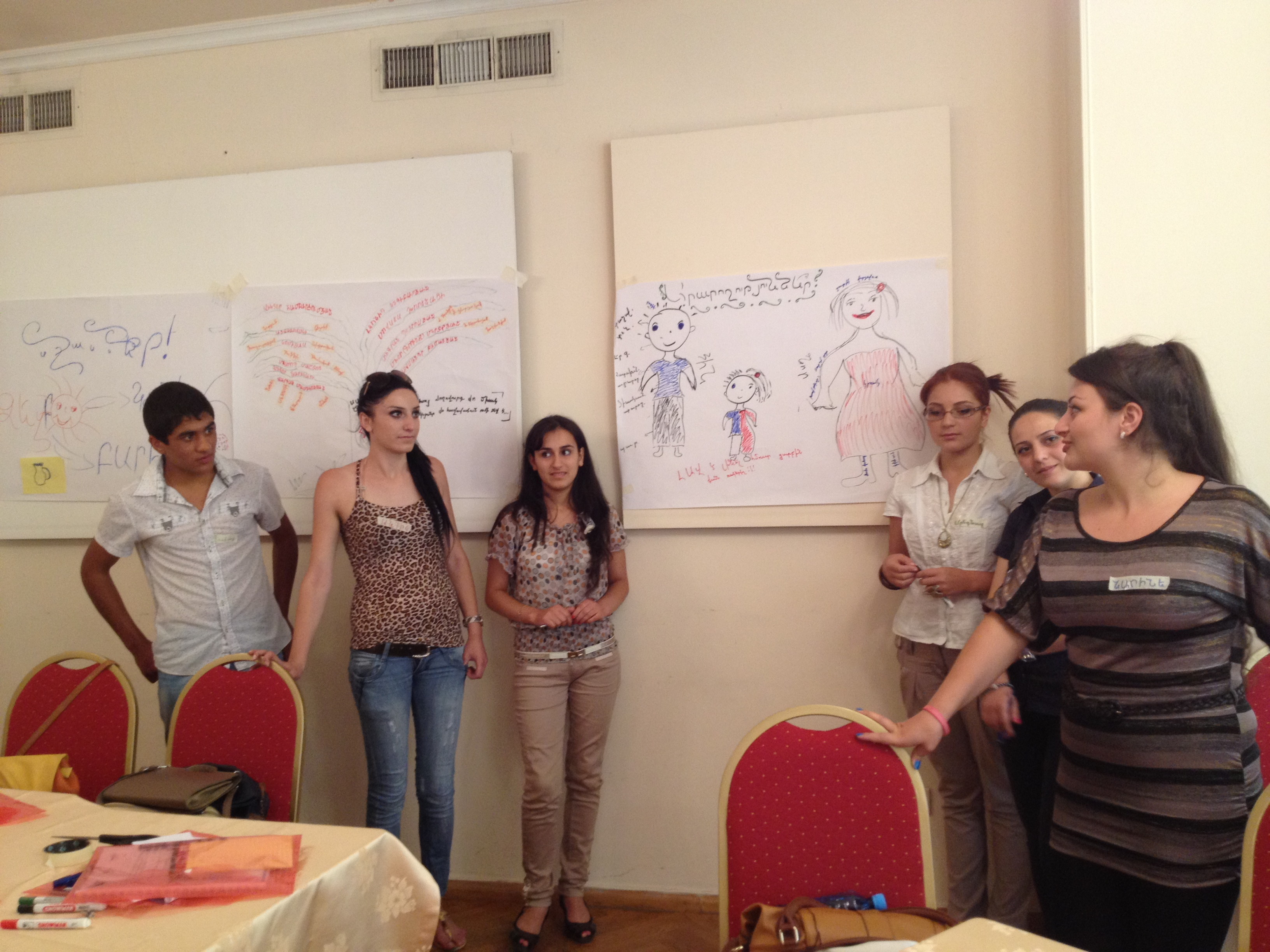 YARCC_Youth Training on Shared Values  Yerevan_Preparing a Poster (6)